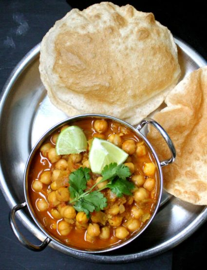 Channa Masala & Bhatura (Meal for 5)